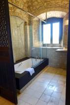 Castell d'Emporda bathroom